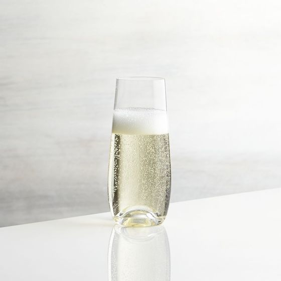Copa-sin-Base-para-Champagne-Lulie